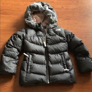 The north face Toddler down jacket. Size 4t